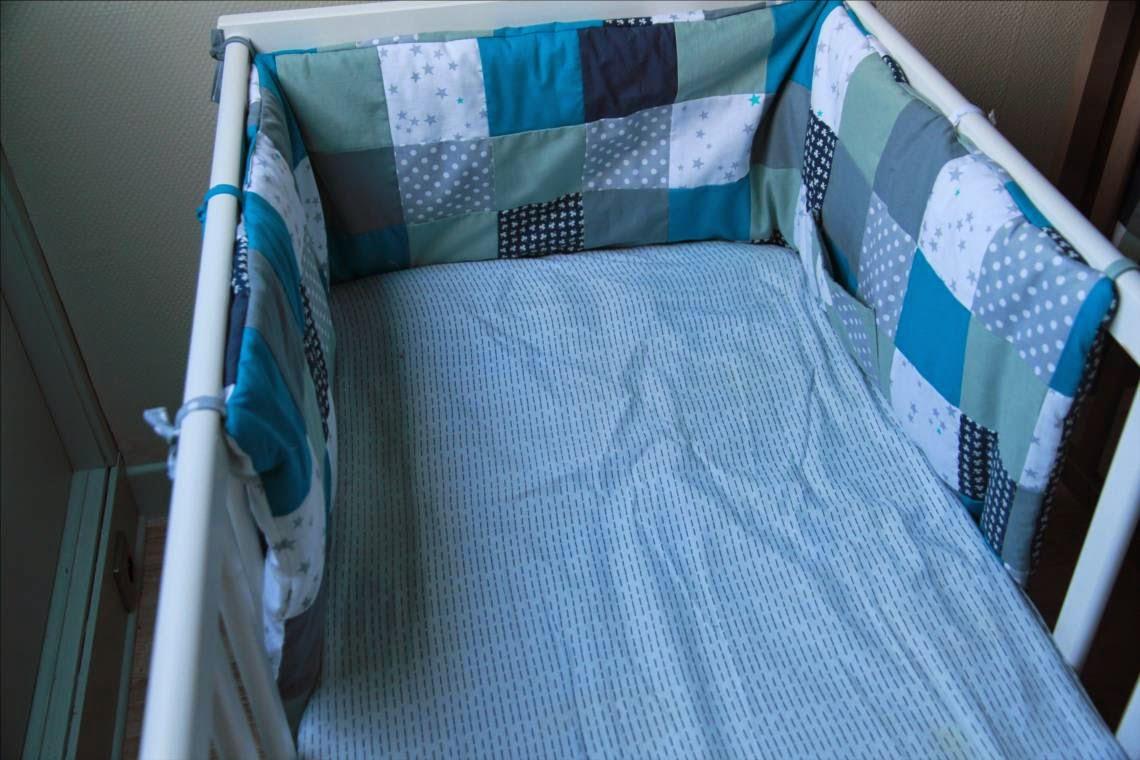 comment faire tour de lit bébé Laisse Luciefer   Les Petits Secrets Couture: Tuto Tour de Lit  comment faire tour de lit bébé