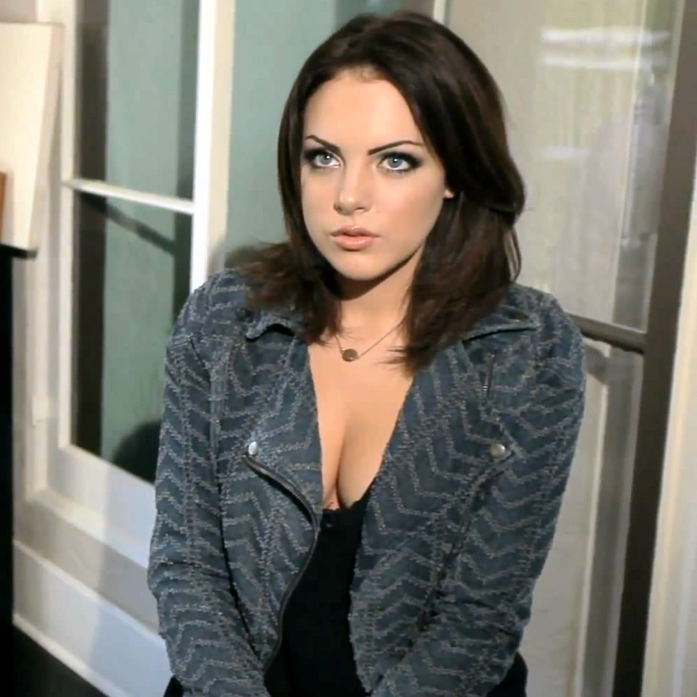 Naked Pictures Of Elizabeth Gillies