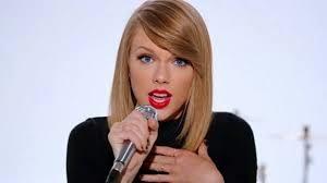 Taylor Swift faz sucesso com Blank Space