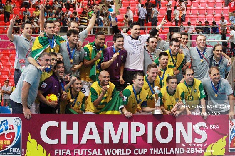 JR SPORTS  Retrospectiva 2012  Brasil é HEPTA campeão mundial de Futsal 75fa97a00c7e4