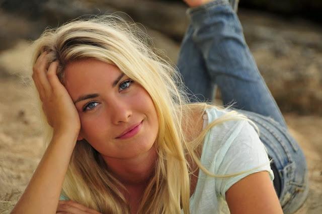 Wanita Cantik Swedia