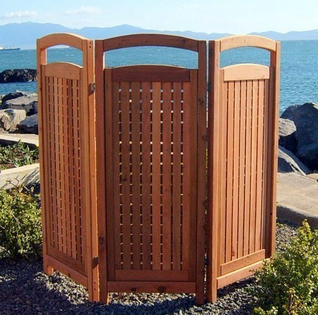 Designer 39 s best picks outdoor teak privacy screens for Large outdoor privacy screen