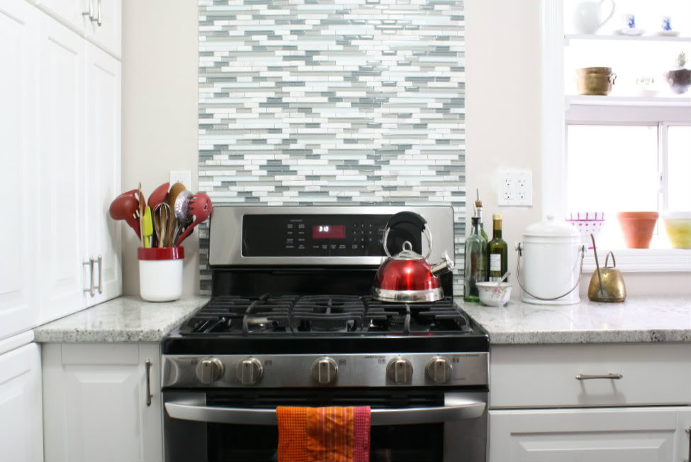 Backsplashes Behind Range On Pinterest Range Hoods Backsplash Tile And Granite