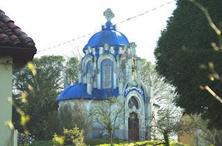 Pravia, Somao, La Casona, mausoleo