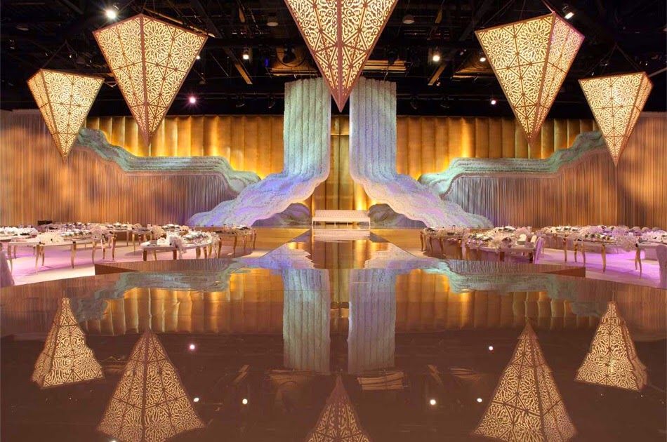 Out of this world wedding decorations photo wikihowo for Arabian wedding decoration ideas