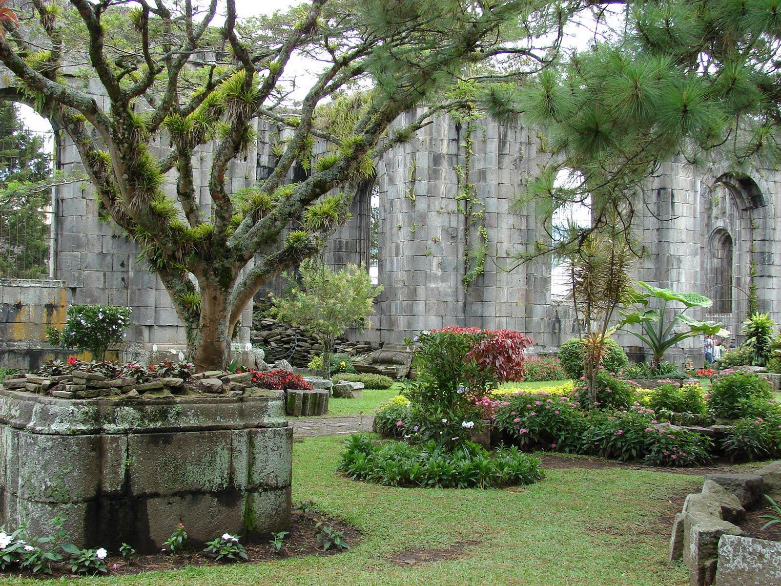 Paisajismo pueblos y jardines jardines en las ruinas de for Jardines costa rica