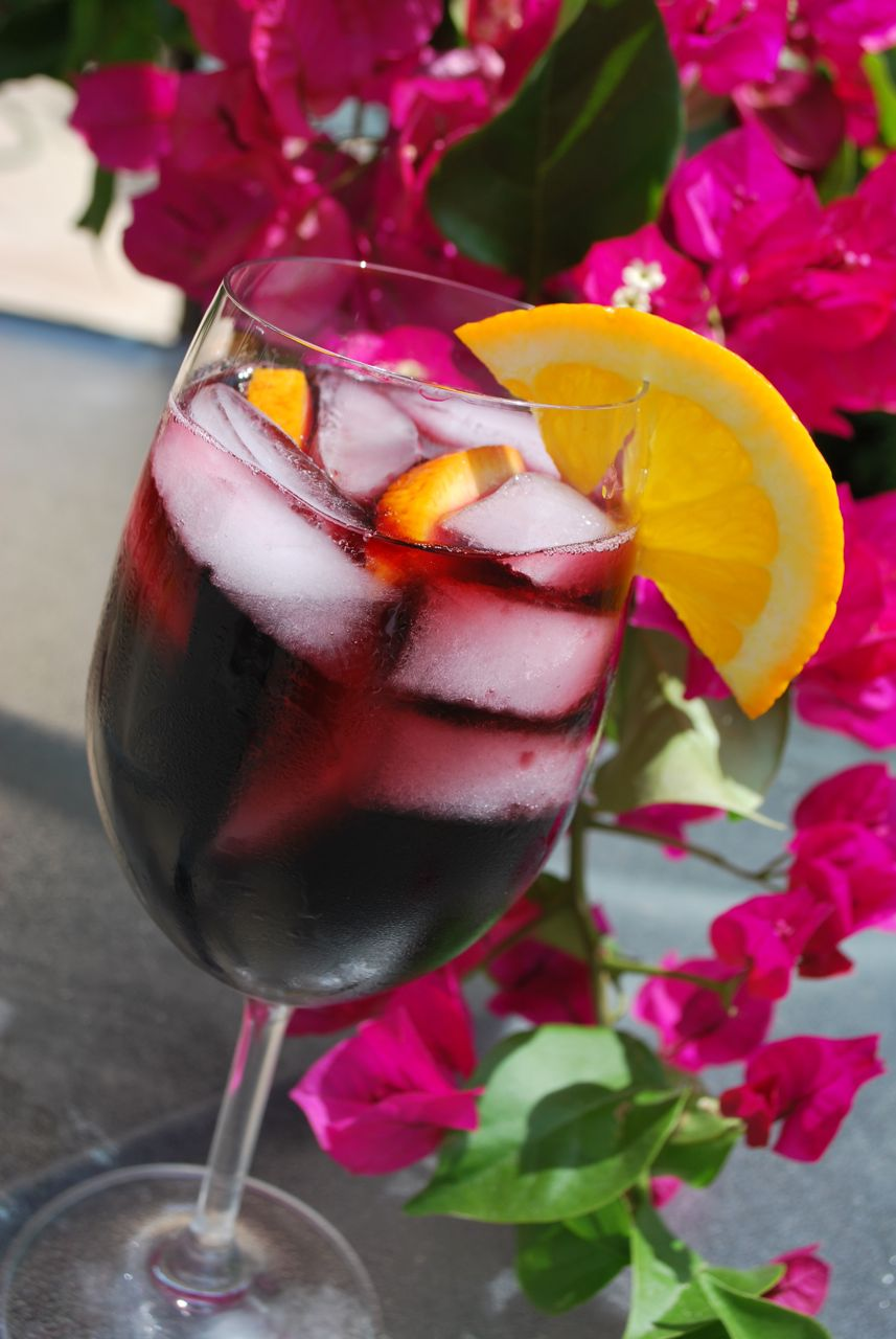 Scrumpdillyicious: Refreshing Red Sangria
