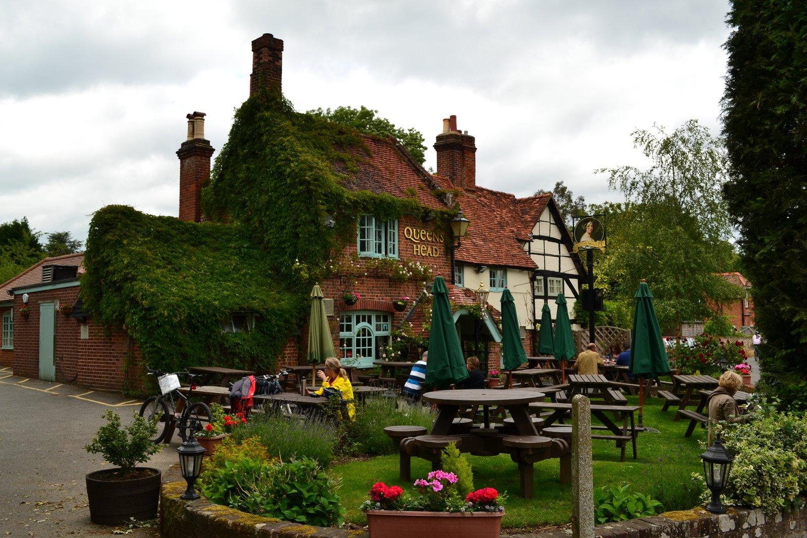 Helsie 39 S Happenings Walking In A Village In Midsomer