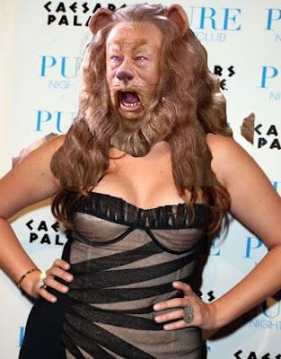 Cowardly lion Khloe Kardashian funny