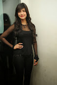 Shruti Haasan at Yevadu App Launch event-thumbnail-4
