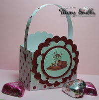 Scalloped Treat Box by Mary