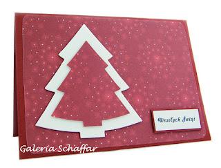 pomysł na prostą kartkę świąteczną choinki marianne design