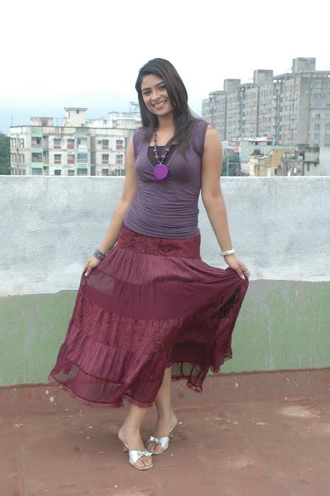 maheshwari the sunkalainger tv anchor real unseen hot photoshoot