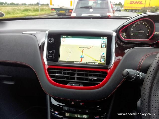 Peugeot 208 GTI satnav