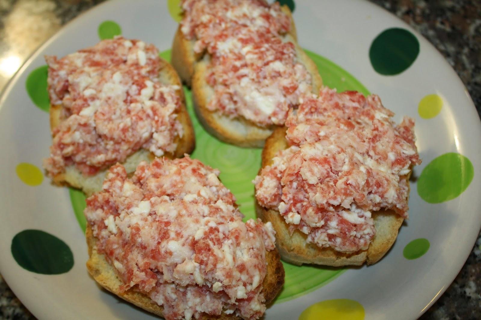 ricetta crostini stracchino salsiccia