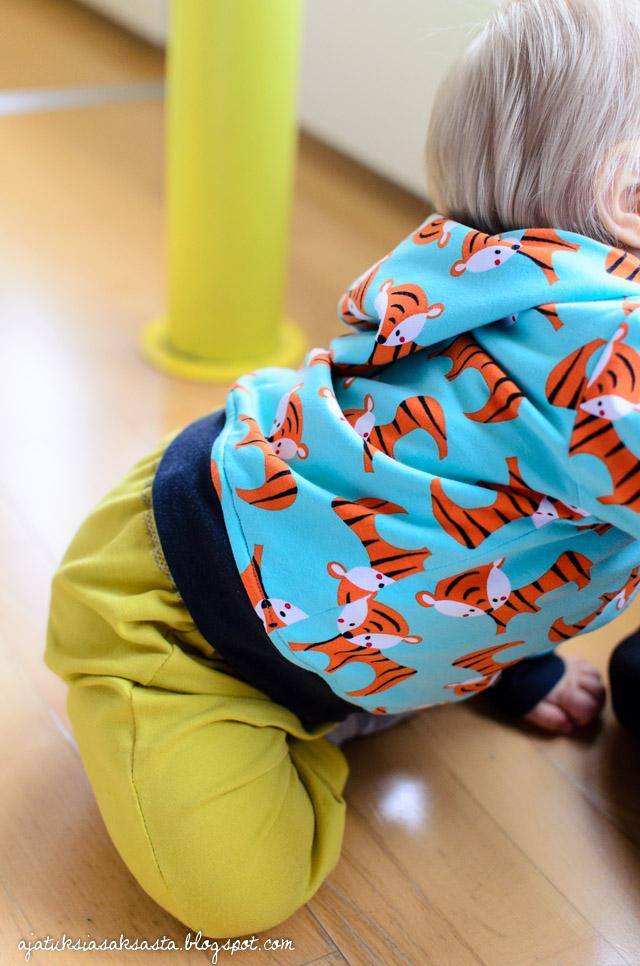 vauvan lapsen huppari ottobre baguette magique nosh ompelu