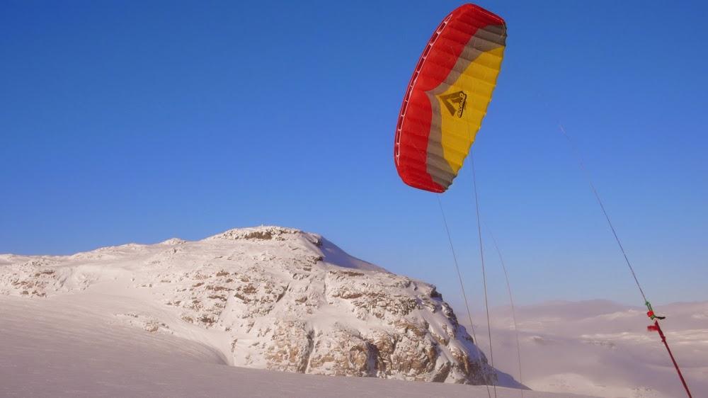 Kiting on Middalen.