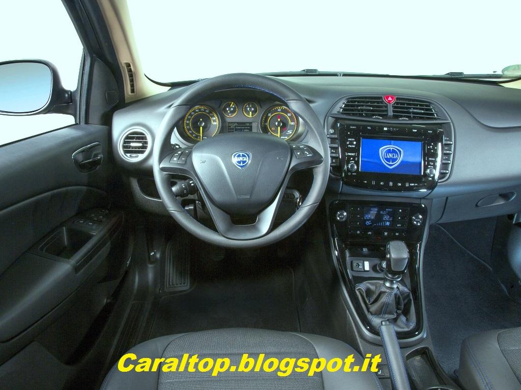 Car al top 33 lancia delta versione speciale sviluppata for Lancia y momo design interni
