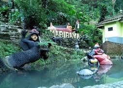 Taman Wisata Alam Maribaya dan Curug Maribaya | Tempat Wisata di Bandung Air Terjun Maribaya