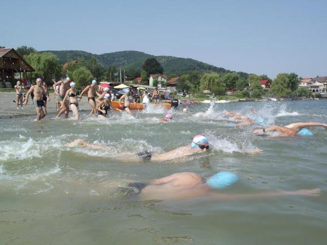 Triatlonul Lacului Surduc - provocare verii pentru locuitorii zonei de vest a țării, Concurs