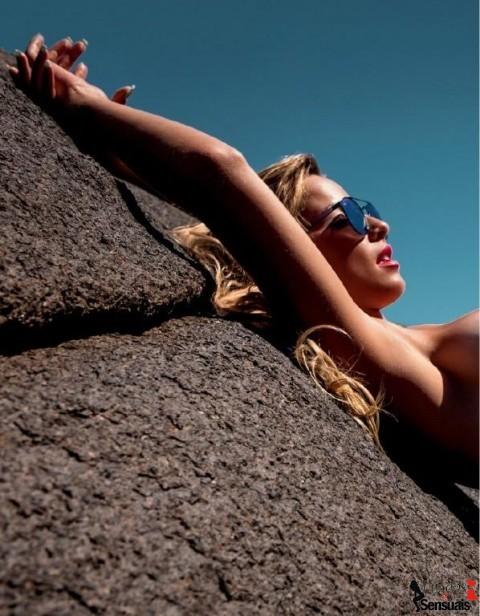 Fotos de Karen Kounrouzan nua na Playboy - Caldeirão do Huck