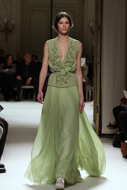 جورج حبيقه - Georges Hobeika Couture Spring Summer 2012 54.jpg