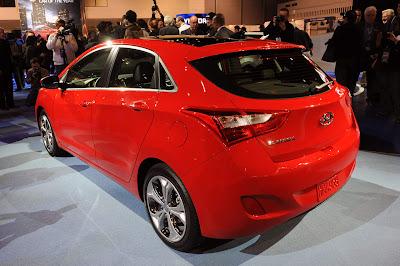 2013 Hyundai Elantra GT Rear Angle