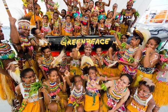 Foto-foto Penyambutan Laskar Pelangi di Jayapura
