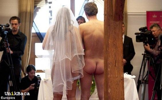 Menikah Telanjang
