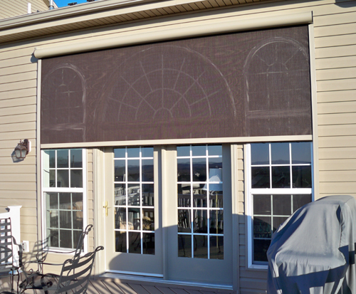 4 ways retractable solar screens can benefit your home for Motorized exterior solar window shades
