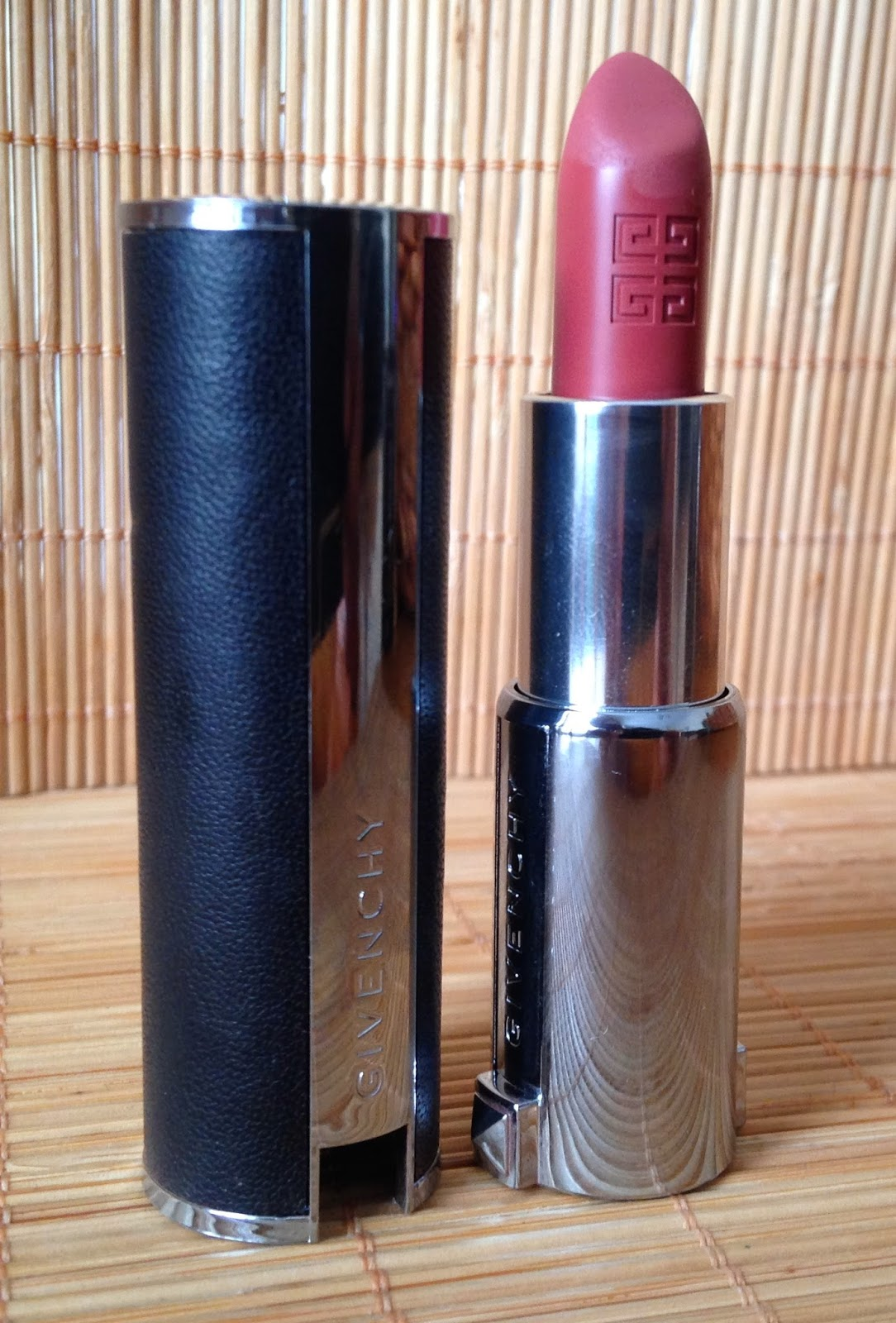 LipstickNo OverstoodGivenchy 104 Rouge Brun Le This Is yv8wONnm0P