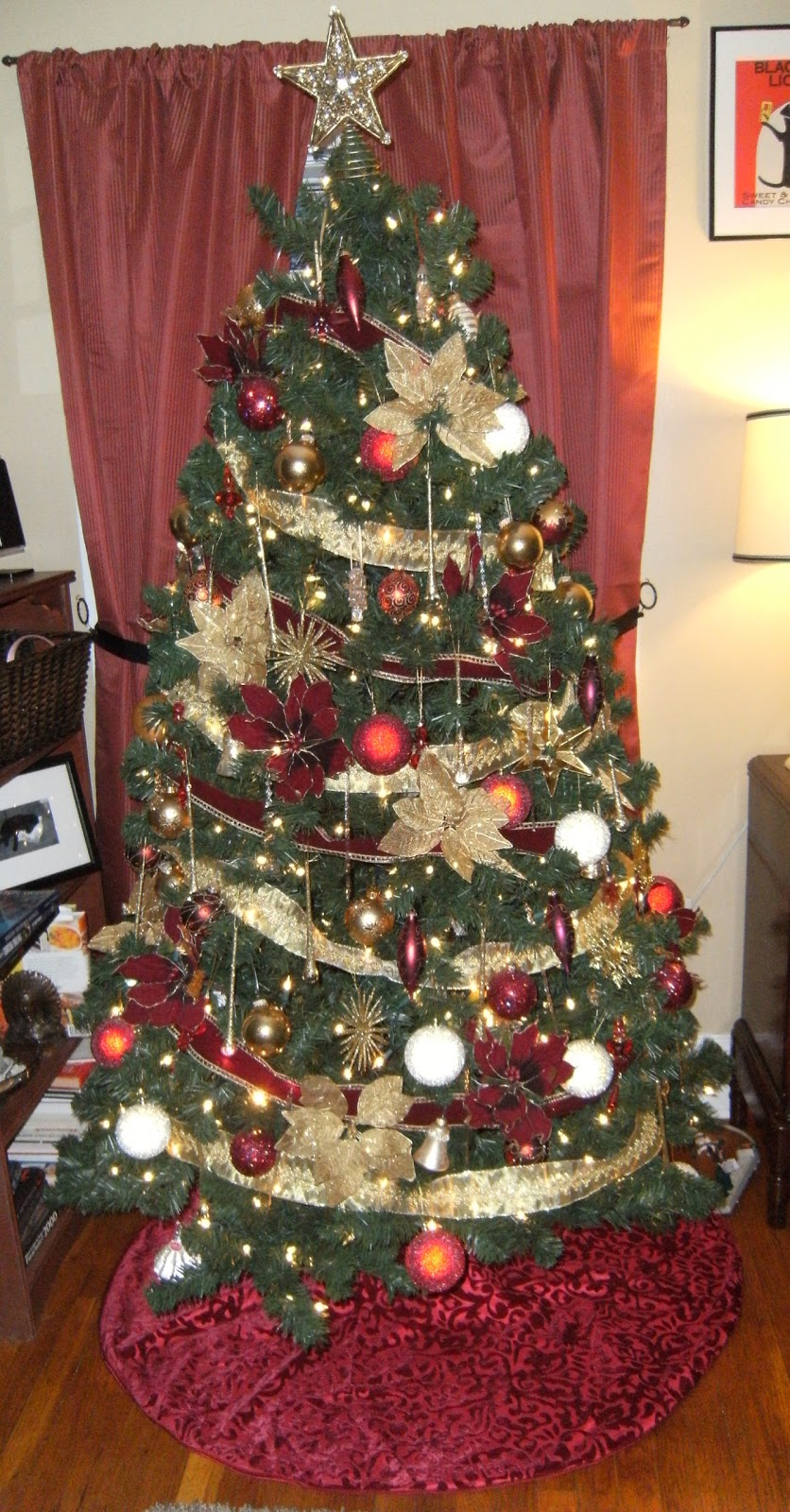 christmas tree decorating ideas red and gold photo19