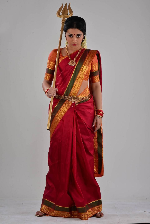 Nayaki Telugu Movie Stills   Trisha