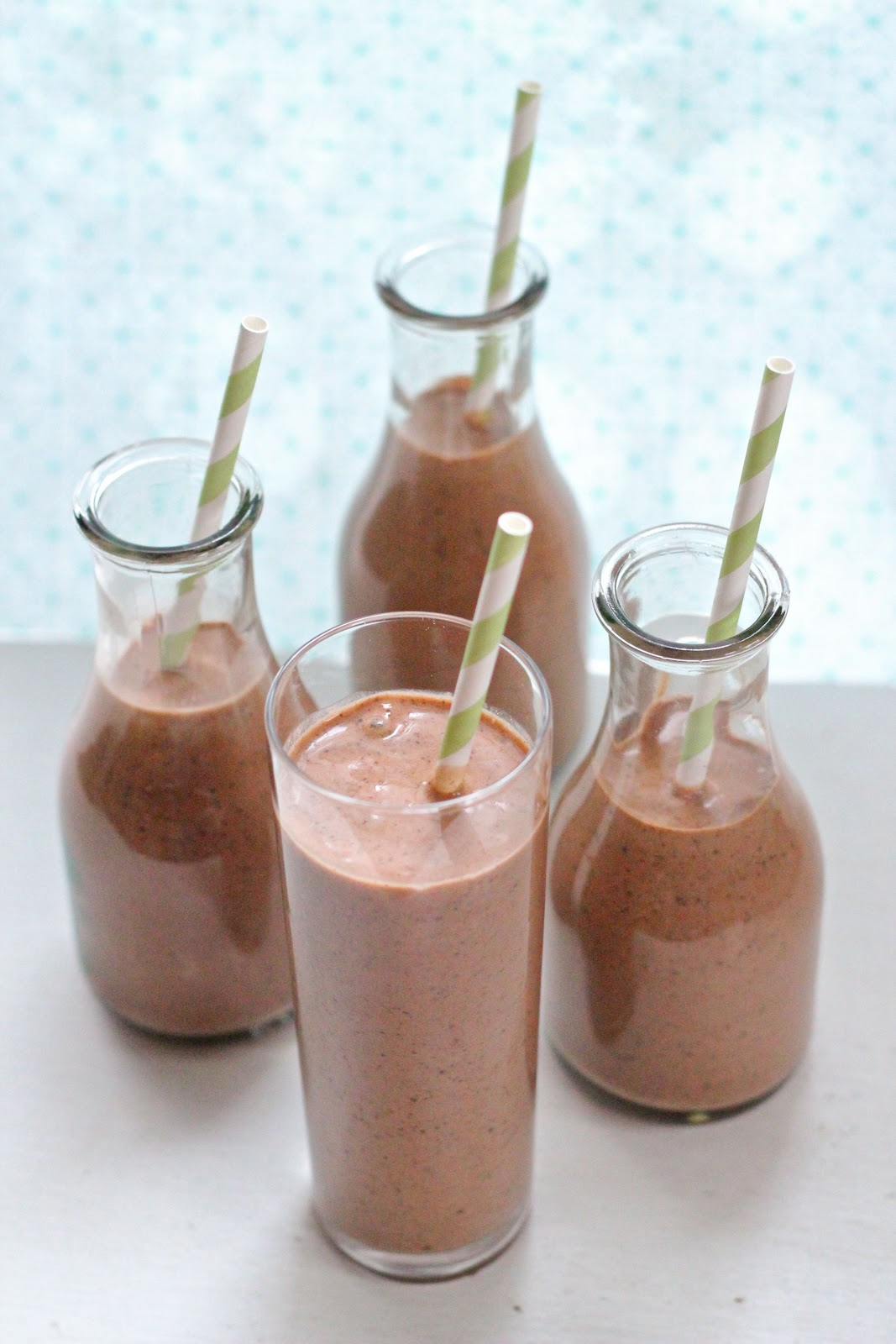 Dark chocolate, peanut butter and banana smoothie | Eat Good 4 Life