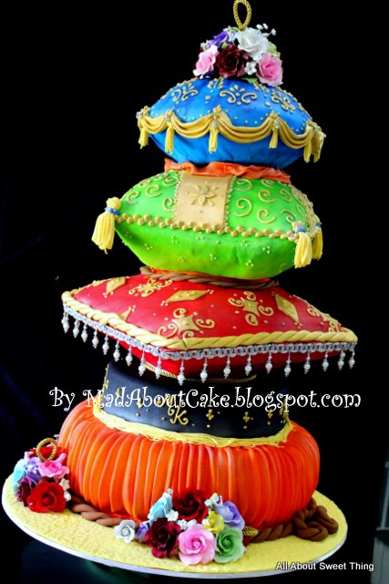 Mad about cake pillow wedding cake arabian nite theme cake for Arabian cake decoration
