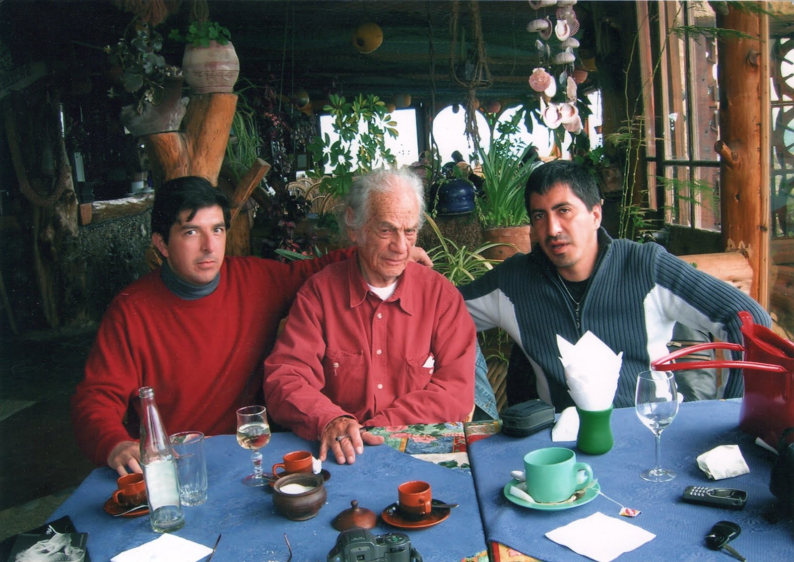 Con Nicanor Parra y Francisco Véjar