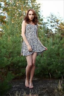 twerking girl - feminax-zhanna-outdoor-1-00-708041.jpg
