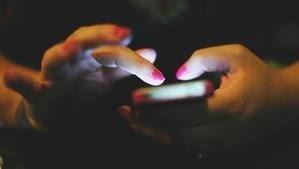 ¿Cómo se obtiene la tienda de Google Play Store en un teléfono con sistema Android?