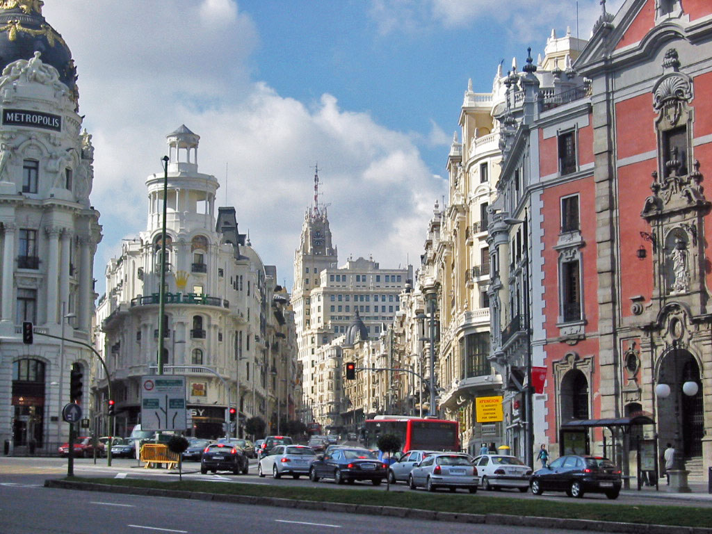 http://3.bp.blogspot.com/-4iL9n6aSwbA/UDLc82ahyUI/AAAAAAAAA6U/9Wq0uRm3da0/s1600/Madrid%2Bat%2Bday%2Bwallpaper%2B(1024%2Bx%2B768).jpg