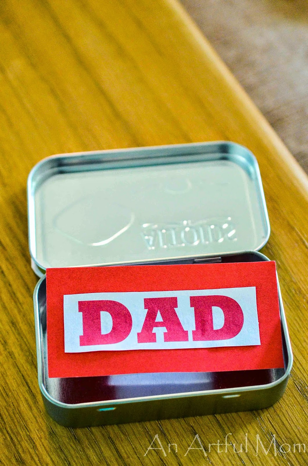 Handmade father's day gift from an Altoids tin