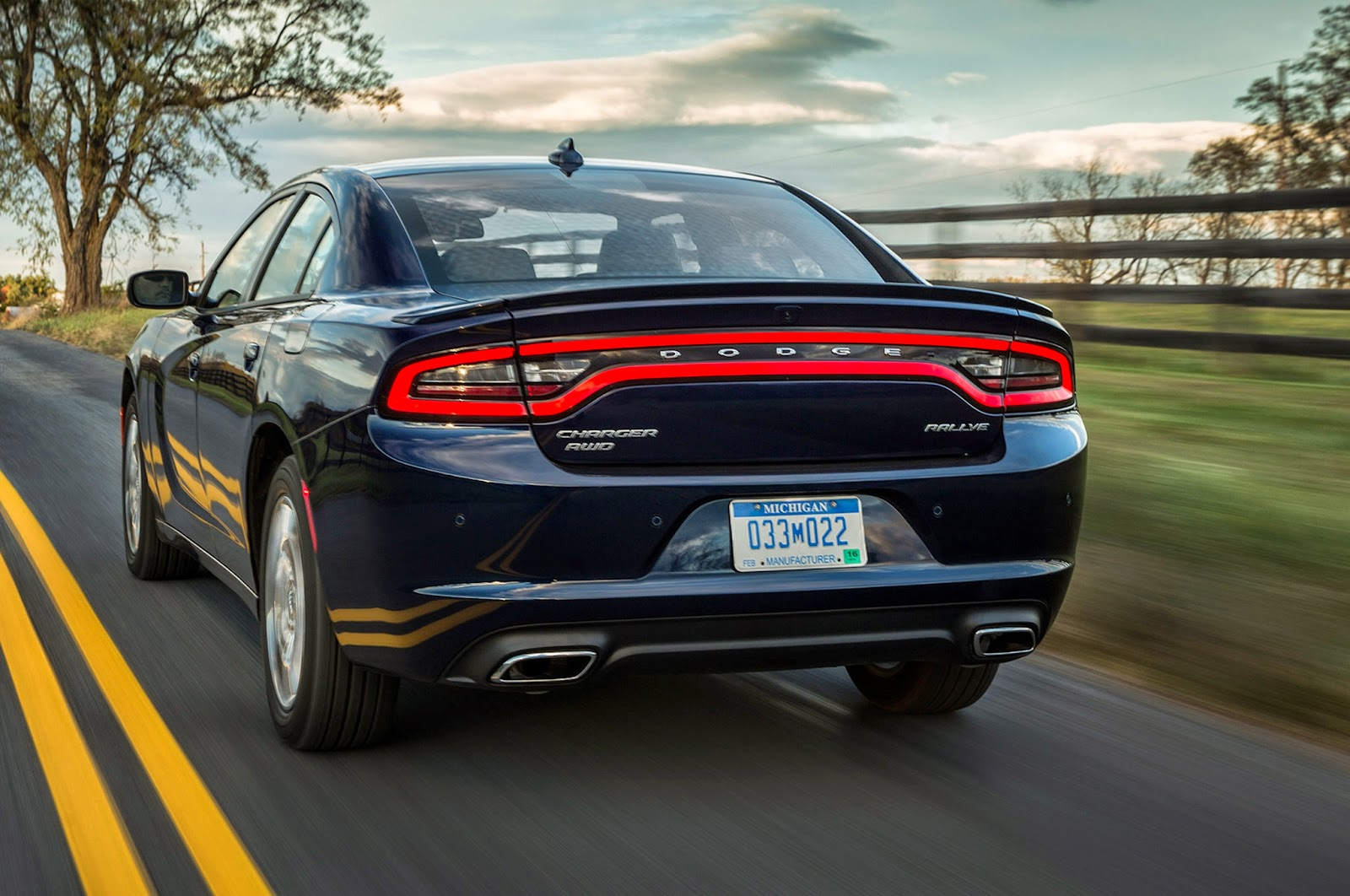 Rear 3/4 view of 2015 Dodge Charger