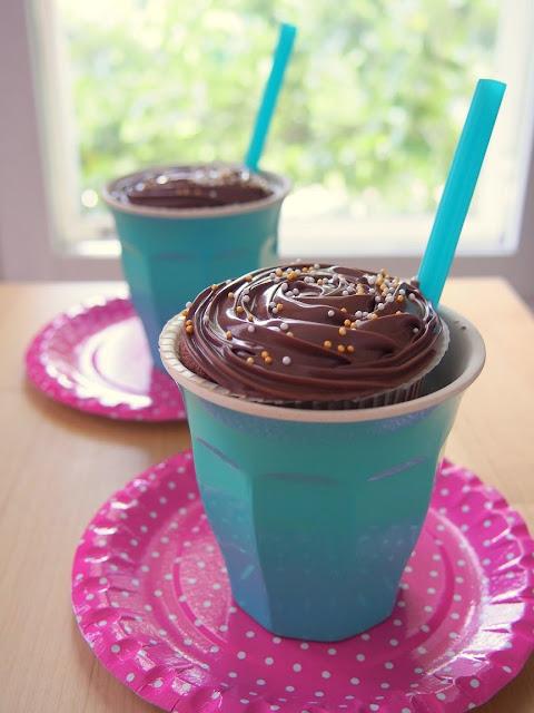 Täydellisen täyteläiset suklaamuffinit