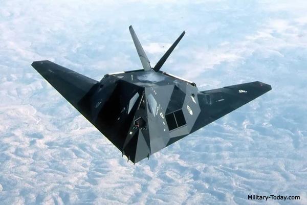 F 117 Nighthawk At Night coleccion: AVIONES A E...