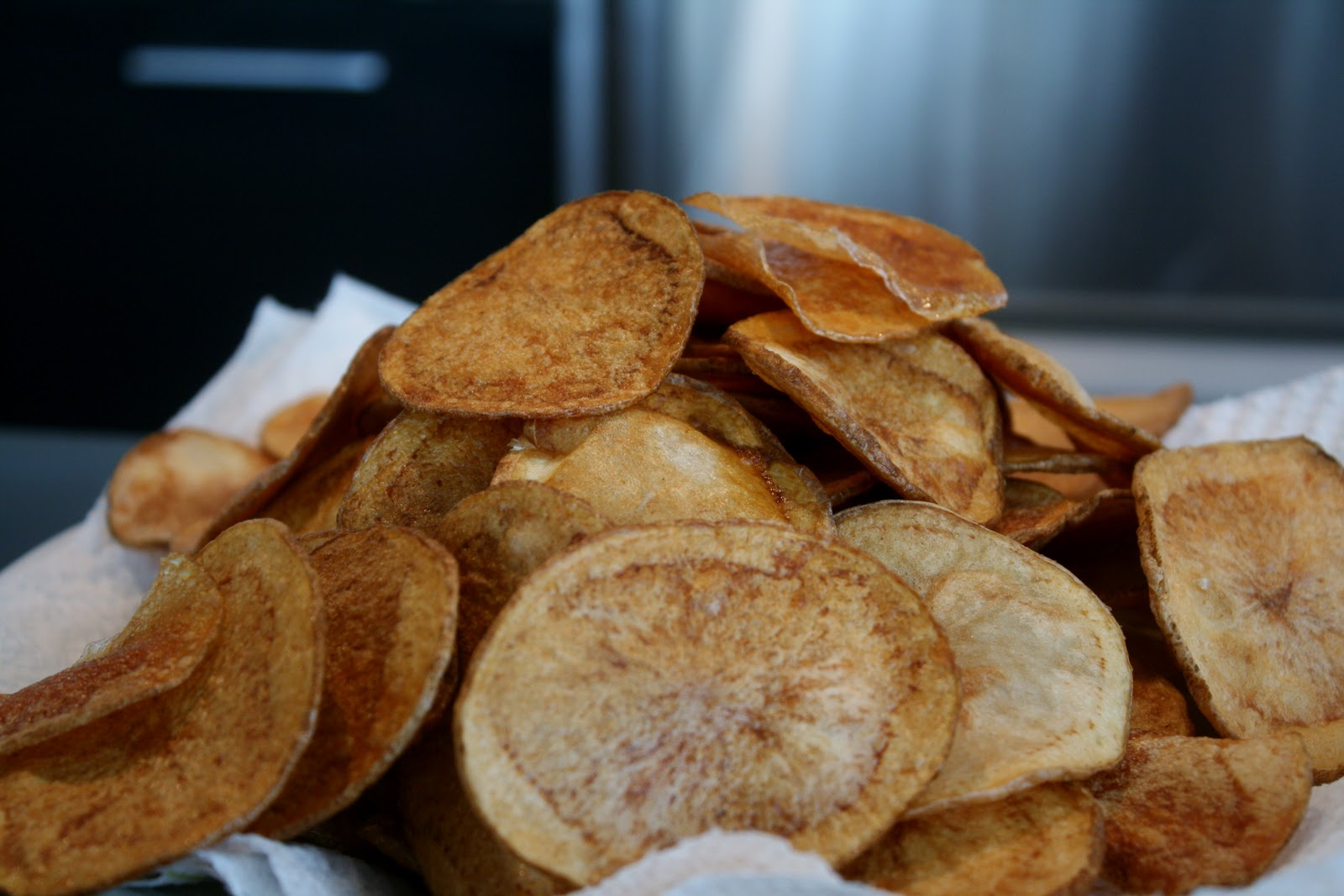 Homemade Potato Chips with Maytag Blue Cheese Sauce