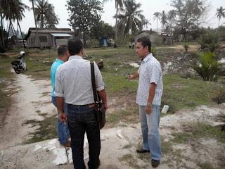 Rumah saudara Faizul di landa ribut menyebabkan kerosakan bumbung di kg Tengah., Kuala Besut.. Telah arahkan agar dibaiki pada hari ini juga dan siap seberapa segera yg boleh|kuala besut|adun kuala besut