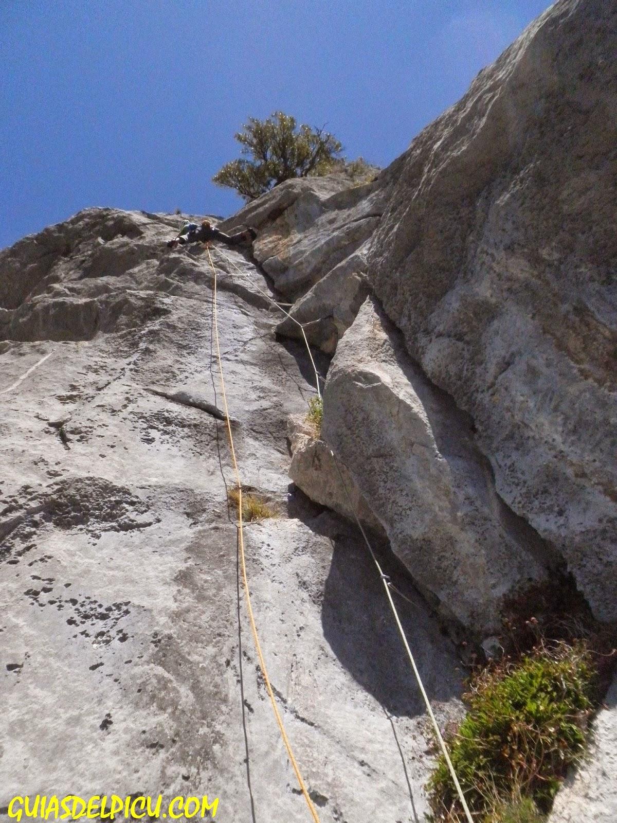 Guias del picu , escalada en roca en los picos de europa