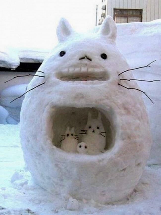 Семейство Тоторо из снега — загляденье