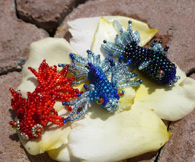 Another view of the Fancy Fish by Alison Oman with peyote stitch bodies