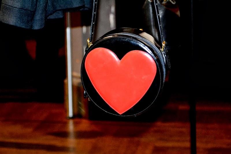heart  bag moschino love disaronno