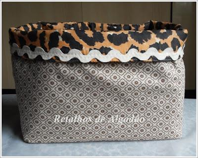 Cestos de tecido para a organizar os armários